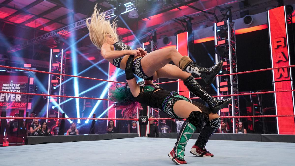 Raw: Jax costs Asuka in a classic match with Flair before Backlash